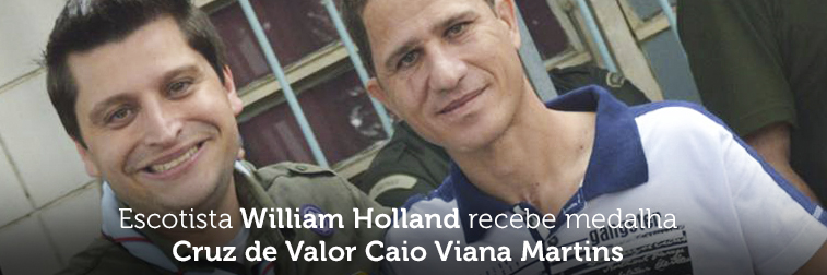 Escotista William Holland recebe medalha Cruz de Valor Caio Viana Martins