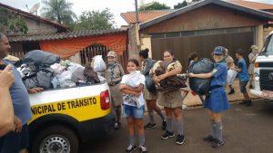 Grupo Escoteiro de Cândido Mota colabora na Campanha do Agasalho