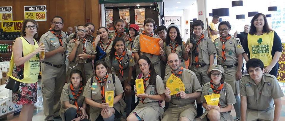 Escoteiros atuam no Dia Nacional da Coleta de Alimentos