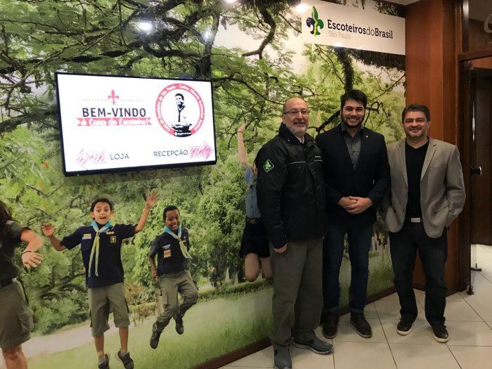 Vereadores de Guarulhos e São Caetano se reúnem com diretoria regional escoteira