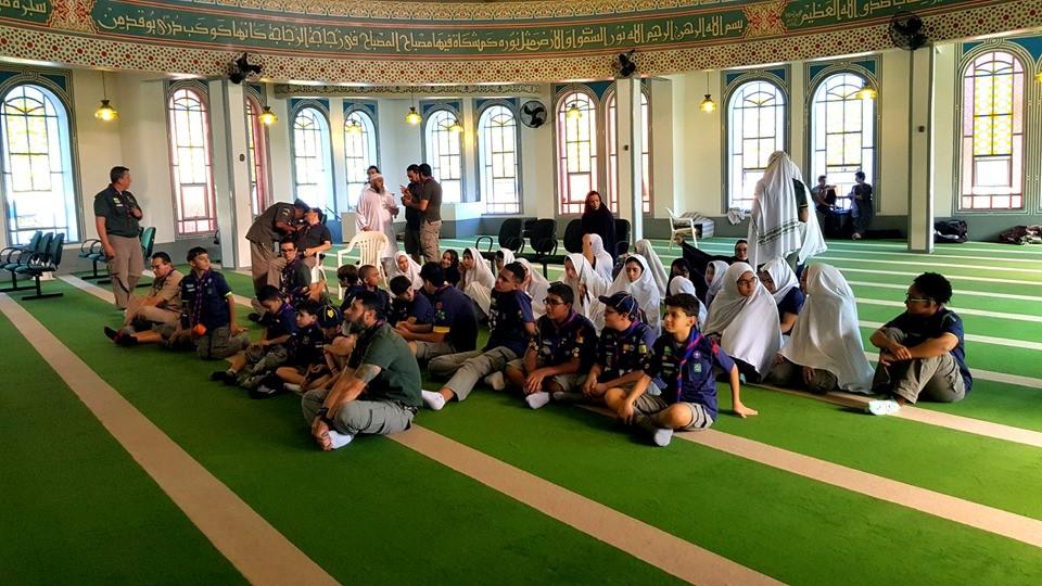 Grupo Escoteiro visita Mesquita para promover a diversidade religiosa