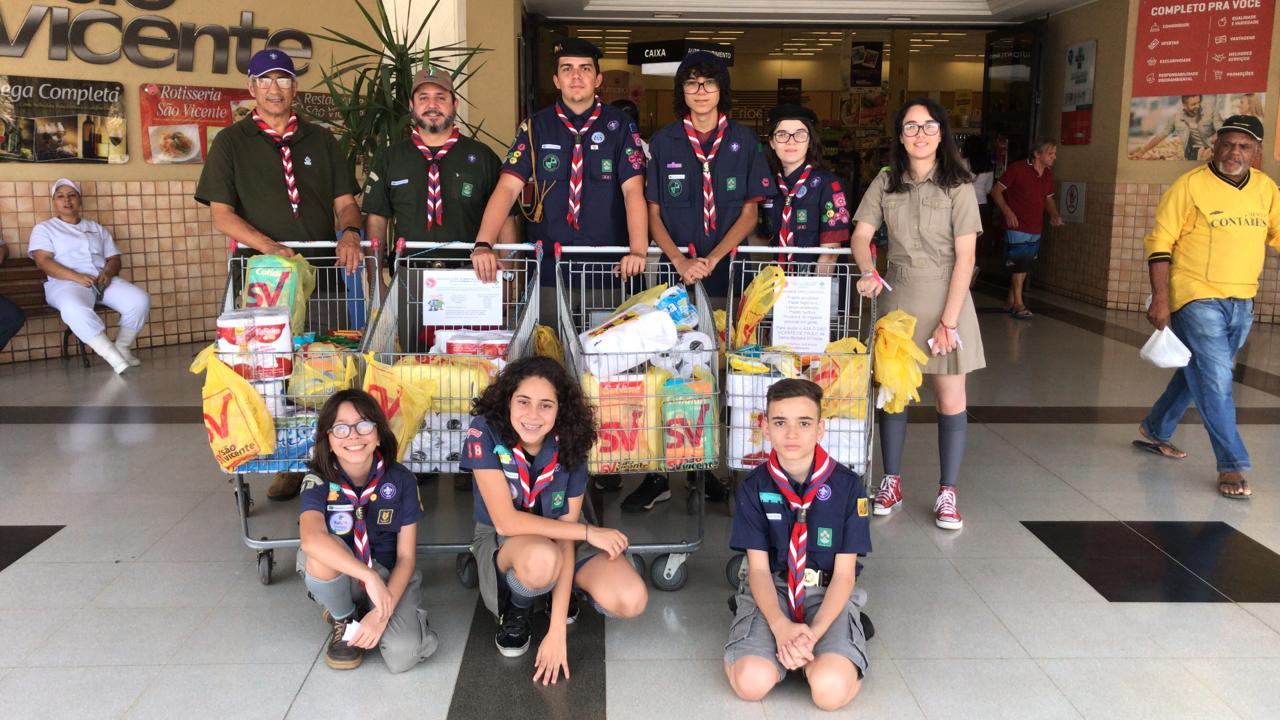 Grupo Escoteiro faz parceria com supermercados da região em prol de Asilo