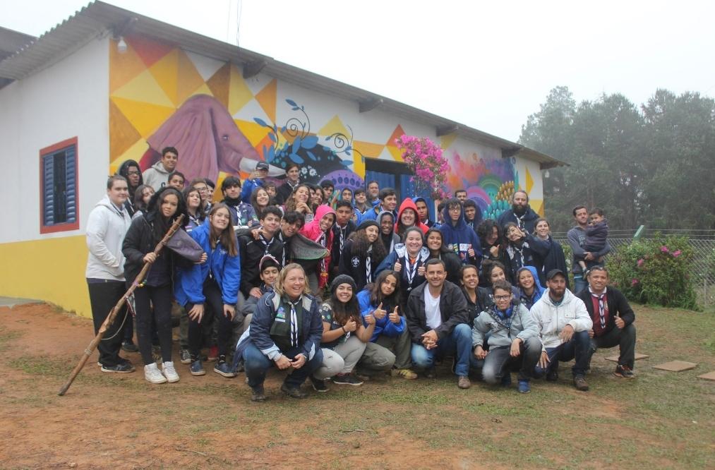 """Projeto """"Cor e Afeto"""" de escoteiros leva arte as paredes de São Paulo"""