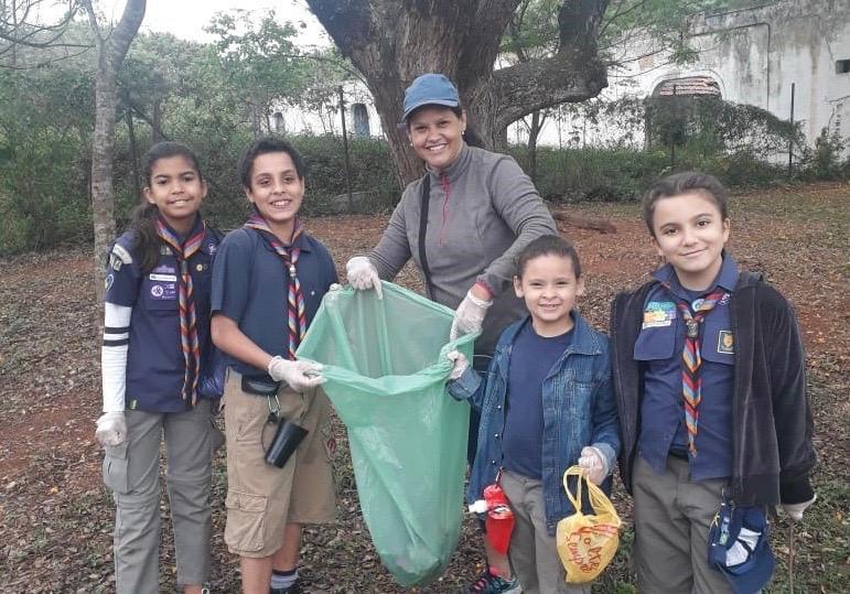 Escoteiros fazem ação do MutCom em conjunto com o Dia Mundial da Limpeza