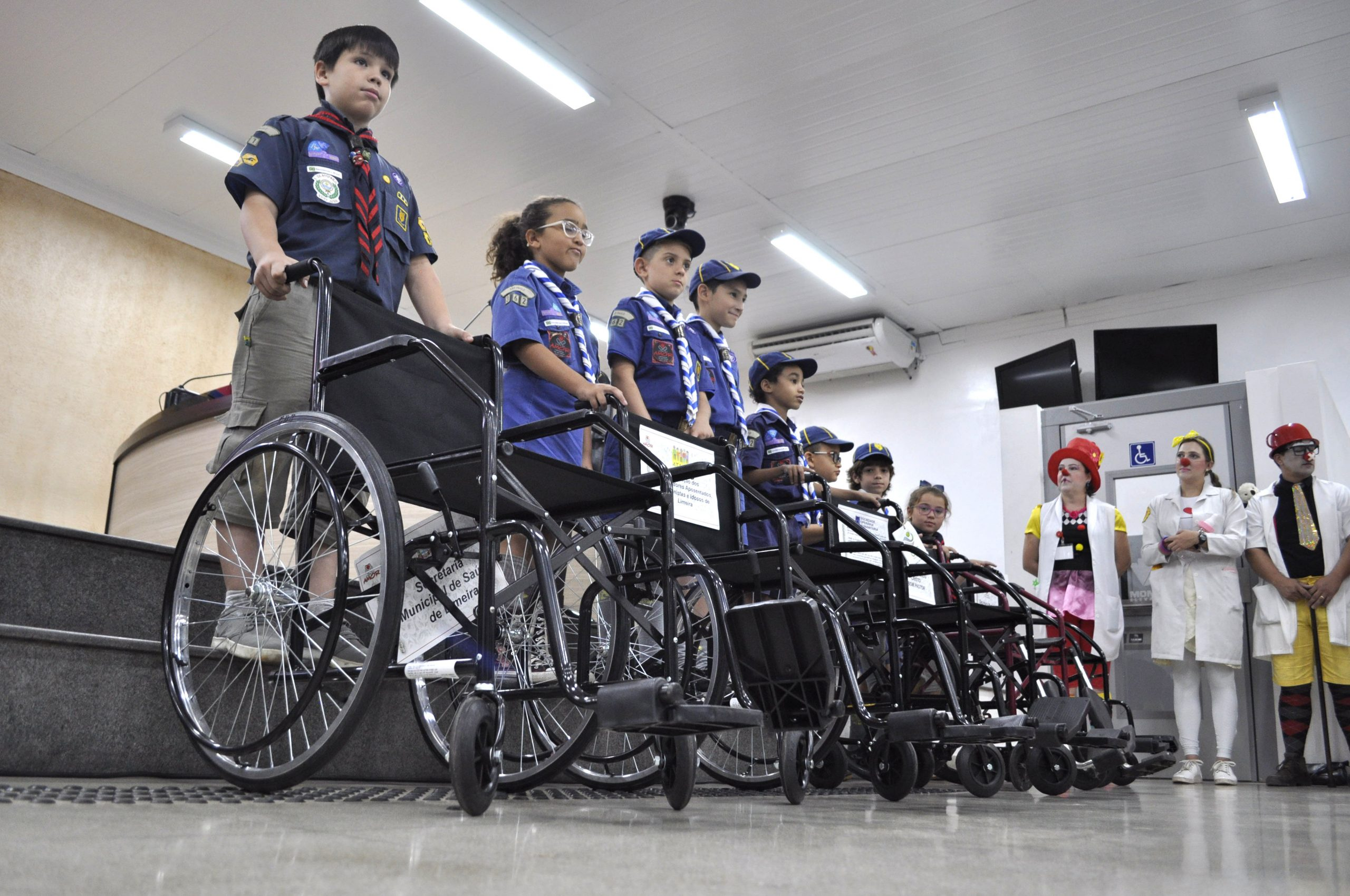 Grupos escoteiros em Limeira se juntam para arrecadar cadeiras de rodas para entidades assistenciais