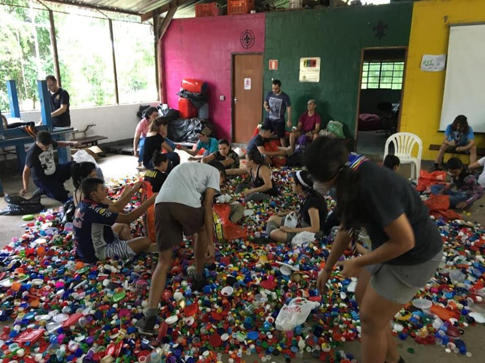Escoteiros fazem parceria com Senac Catanduva e arrecadam 500 kg de tampinhas